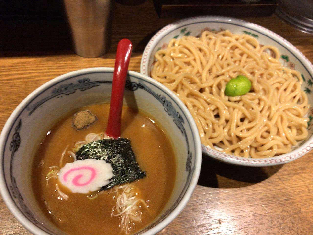姫路みゆき通りの中にあるラーメン屋 麺や六三六で人気のつけ麺食べてきた