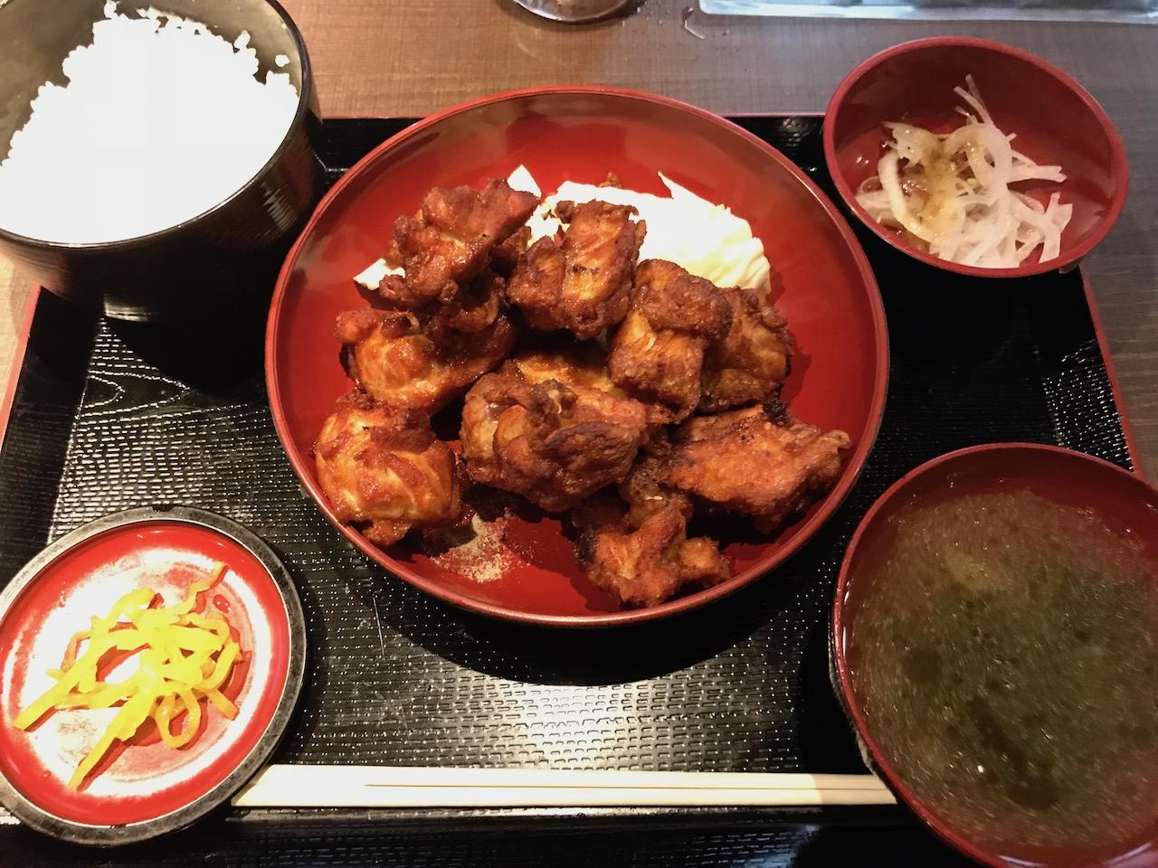 牛凪の唐揚げ食べ放題ランチで食べすぎた!ワンコインなのに美味しくてGOOD!