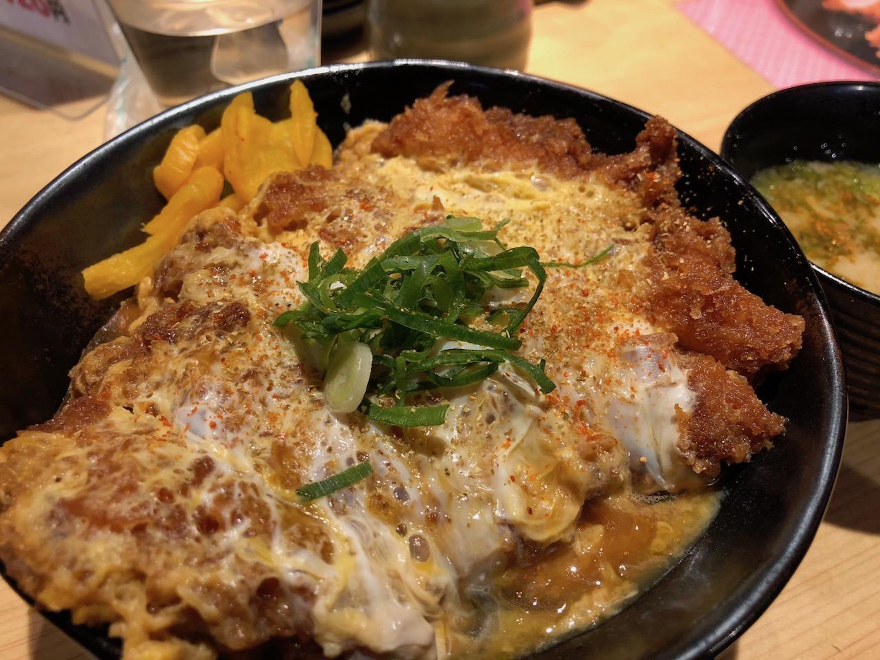 姫路駅すぐ!トンカツが美味しい「とん一」レビュー!気になるメニューや飲み放題食べ放題は?