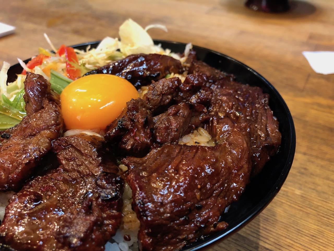 お肉大好き!想像しただけでヨダレが・・・すみきちのカルビ丼が美味すぎる