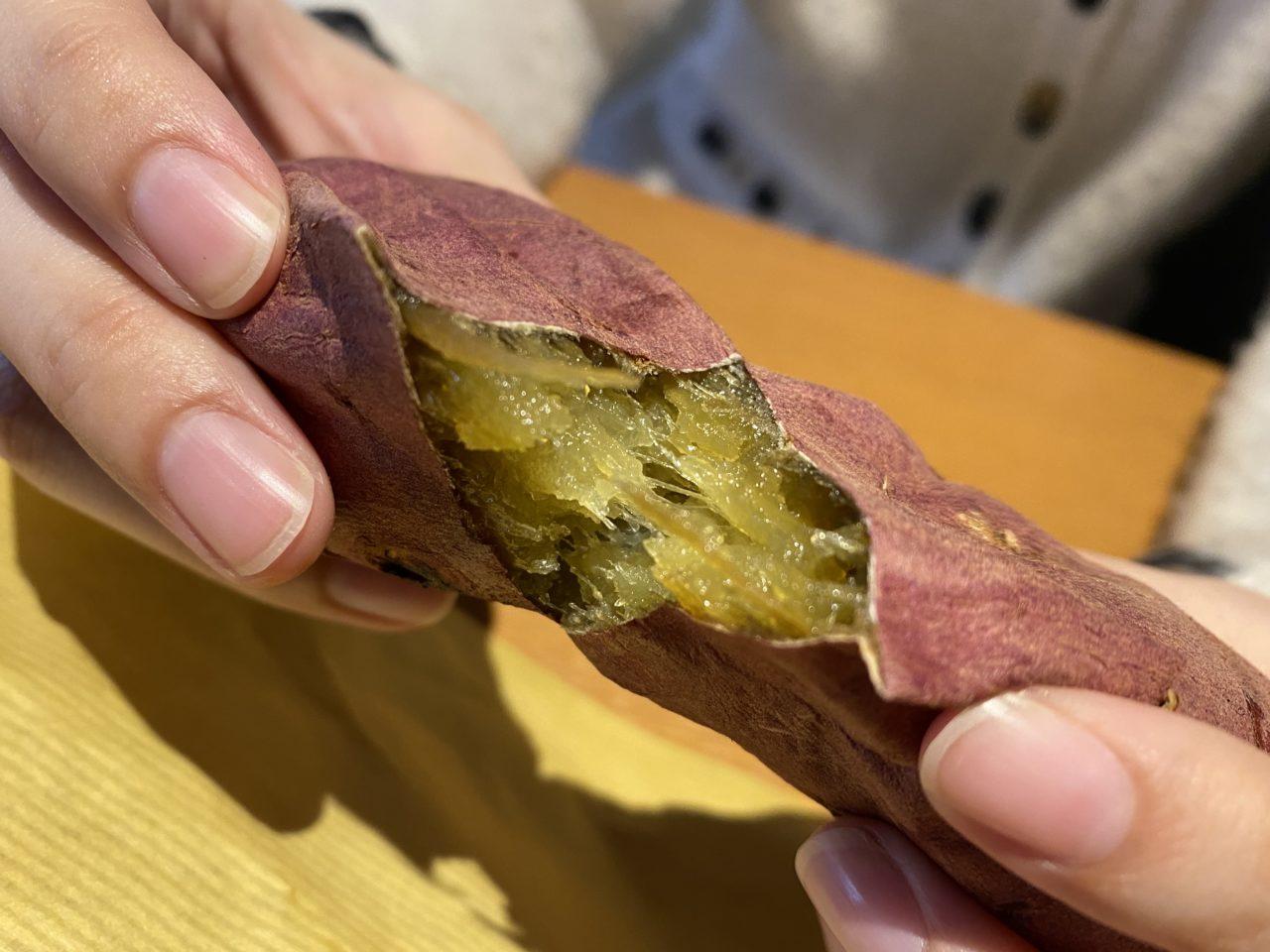 ホクホク、トロトロの焼き芋が食べられる!!姫路駅前、山陽百貨店の前で売ってる焼き芋がめちゃ美味しい!