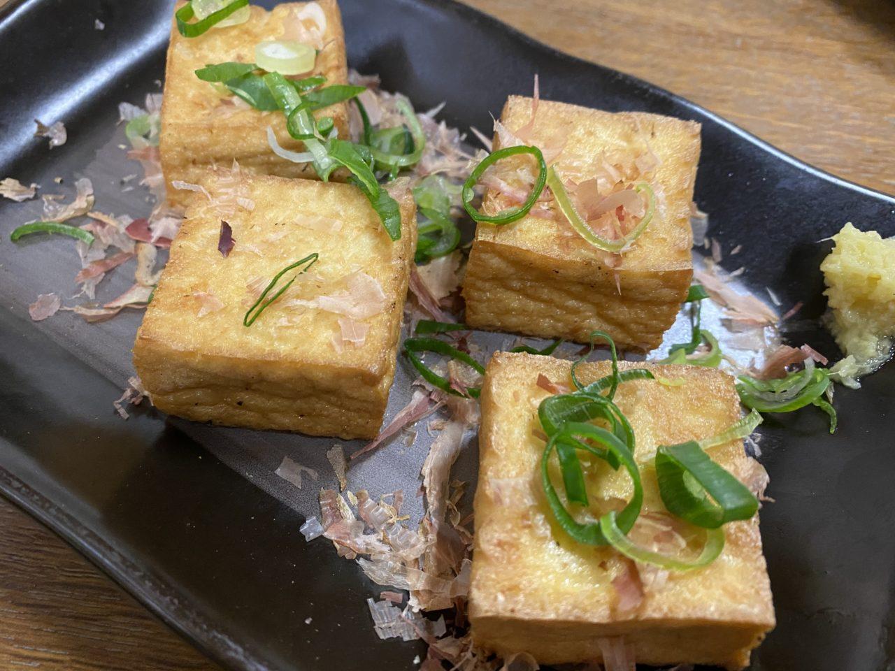姫路駅前の路地にある古い昔ながらの鶏がウリの居酒屋「一番」のヒネ鶏がマジで一番な美味さでビビった!